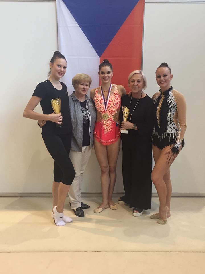 Mistrovství České a Slovenské republiky v moderní gymnastice v kategorii  seniorek pro rok 2016 15094864a8b